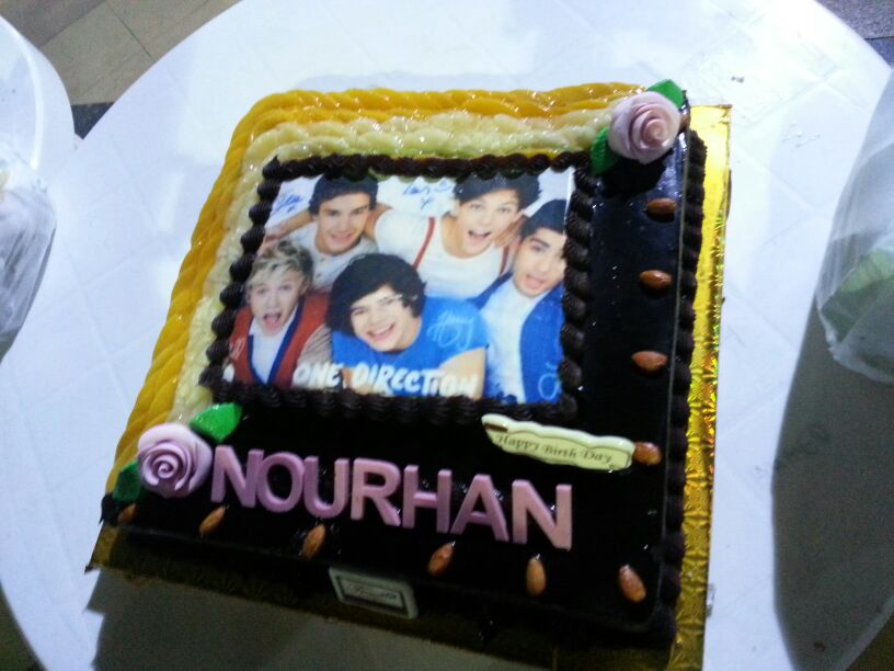 Hey Guys Today Was My Birthday And I Requested A Cake With 1D Image On It Here Is Ate Liam He Tasted Like Coffee Chocolate